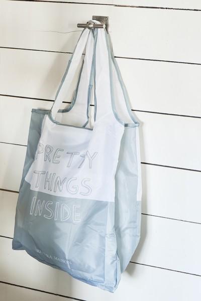 PRETTY THINGS INSIDE FOLDABLE BAG